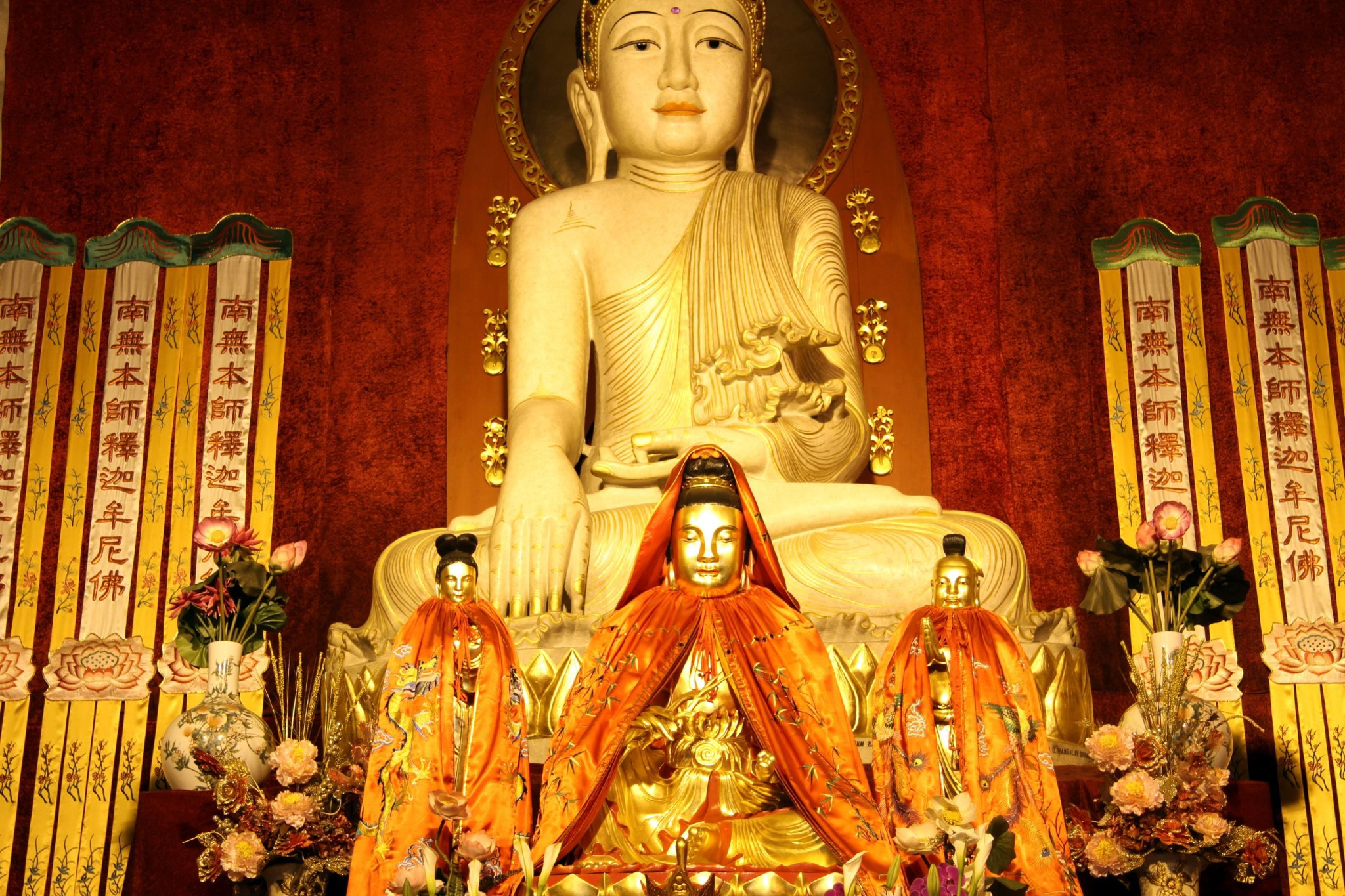 Buddha statue in Jingan temple in Shanghai, China