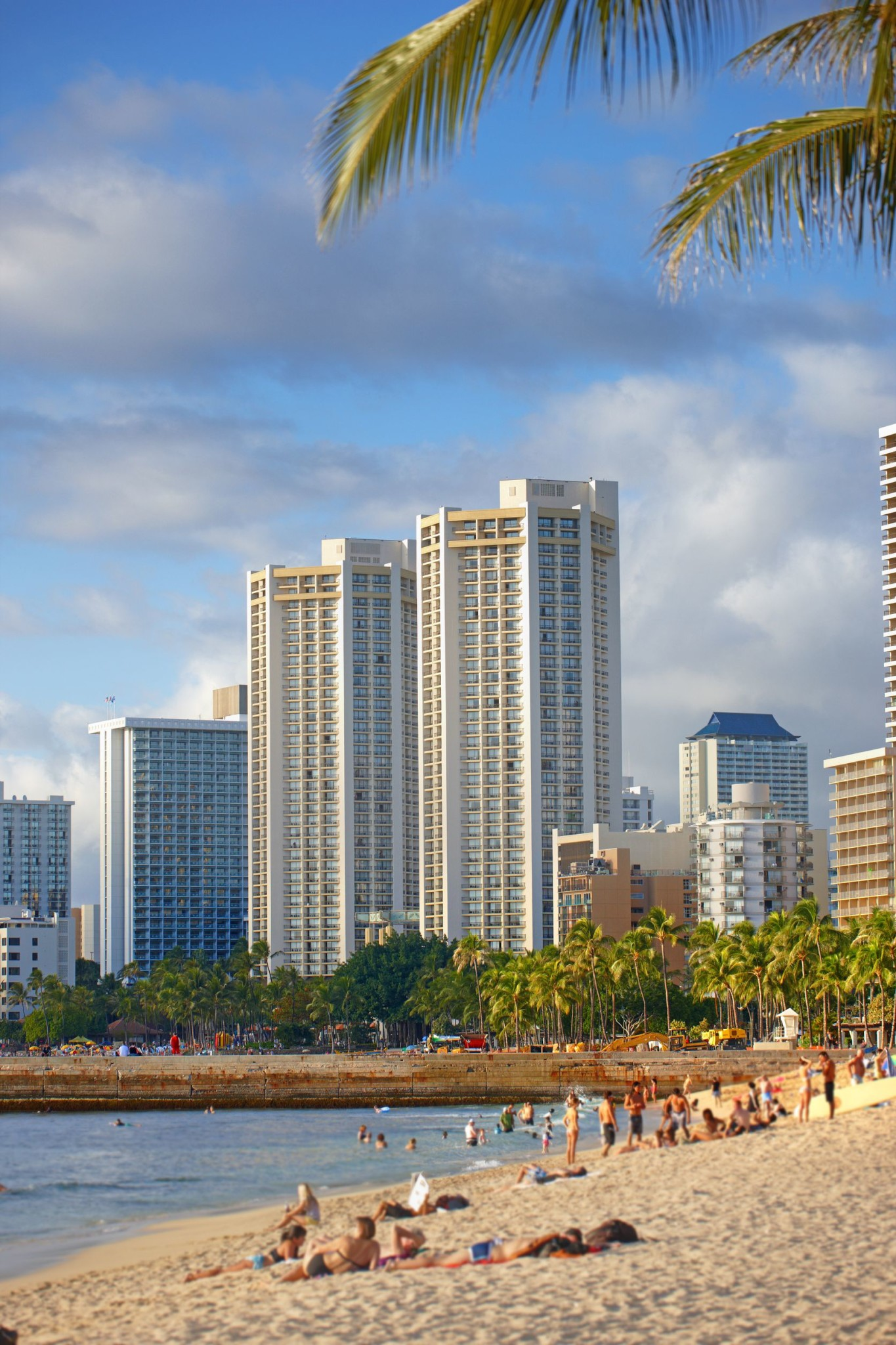 waikiki beach honolulu hawaii layover guide